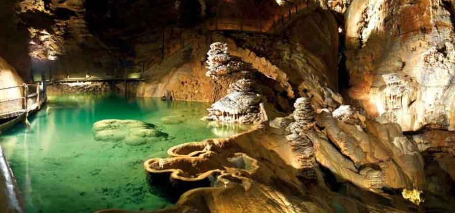 La rivière souterraine du gouffre de Padirac