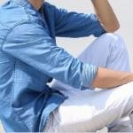 Comment bien porter le pantalon blanc homme ?